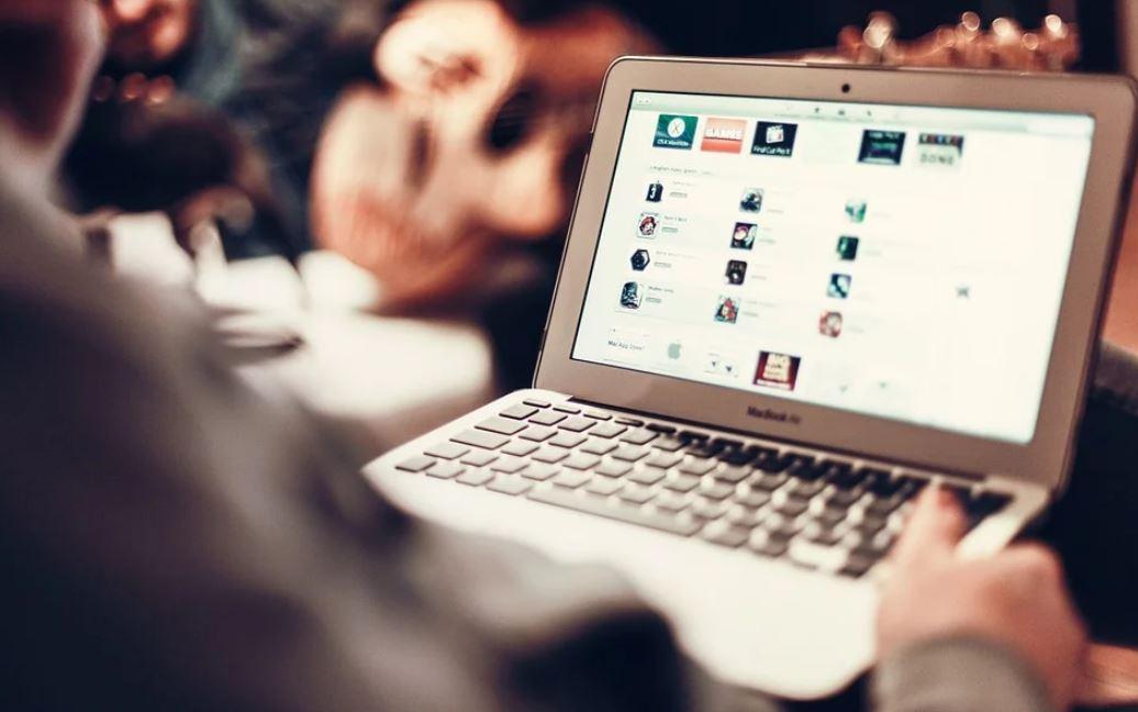 Comment vendre les produits des grandes marques sur votre site internet?